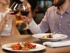 Ужин с любимой: что приготовили для женщин рестораны Бишкека